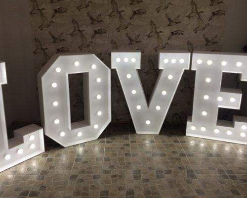 Leuchtbuchstaben für die Hochzeit in Bremen